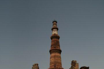 2009。印度。 之二【古德卜尖塔Qutb Minar and its Monuments】印度第一座清真寺